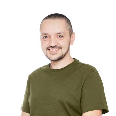 Emy Carlan - CEO plugnpaid.com